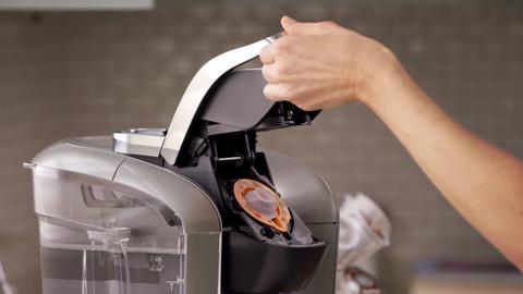 how to use the keurig® brewer maintenance accessory